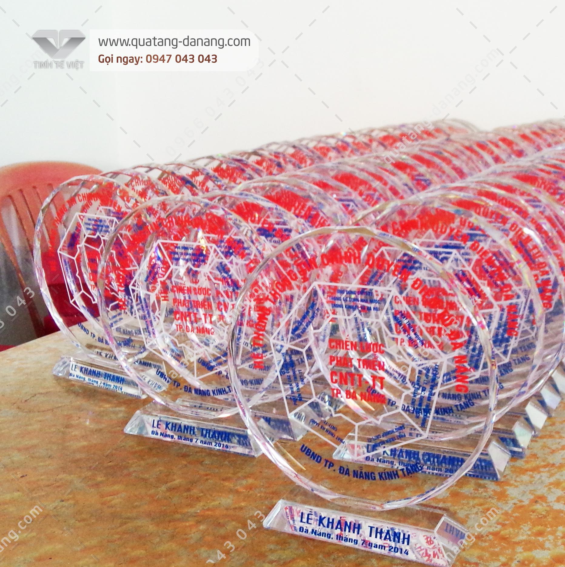 Sản xuất Quà tặng Biểu Trưng Phale Lễ khánh thành Hệ Thống Thông Tin Chính Quyền Điện Tử TP. Đà Nẵng