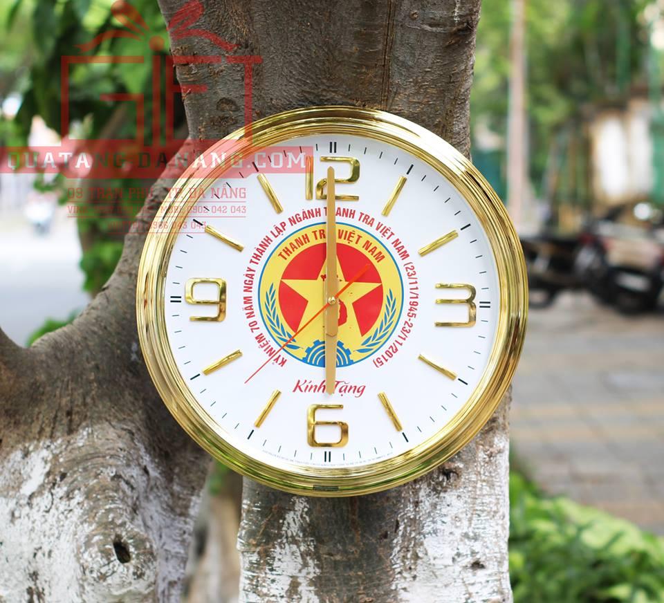 Dong ho quang cao gia re Da Nang